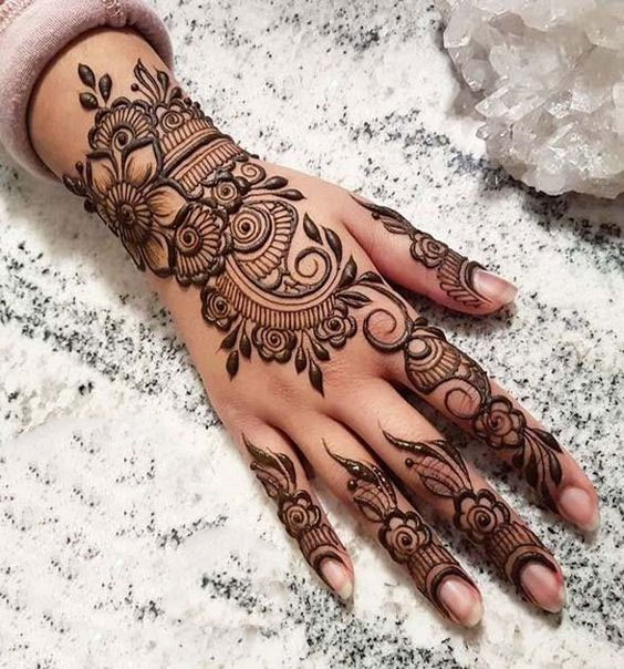 Detailed Mehandi Design