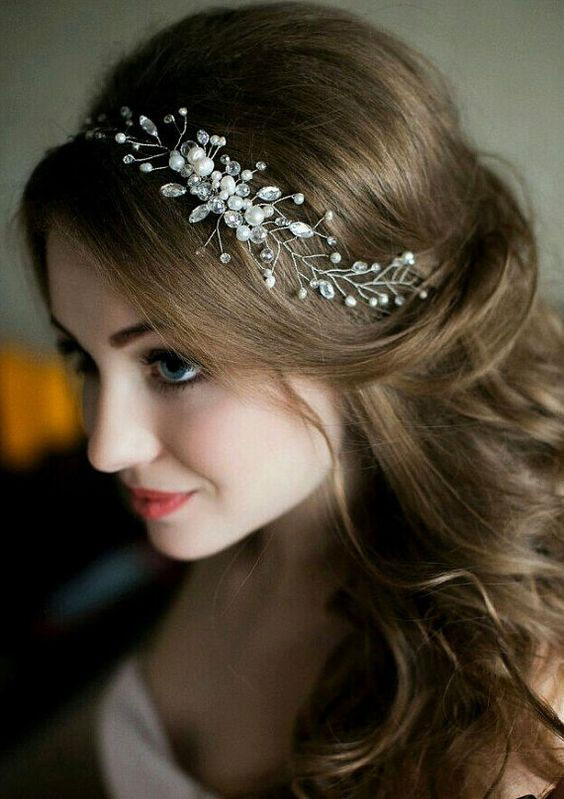 Adult Accessories hairstyle