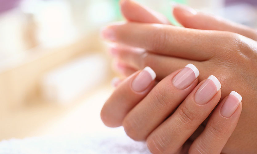 What Are Solar Nails? Benefits and Usage
