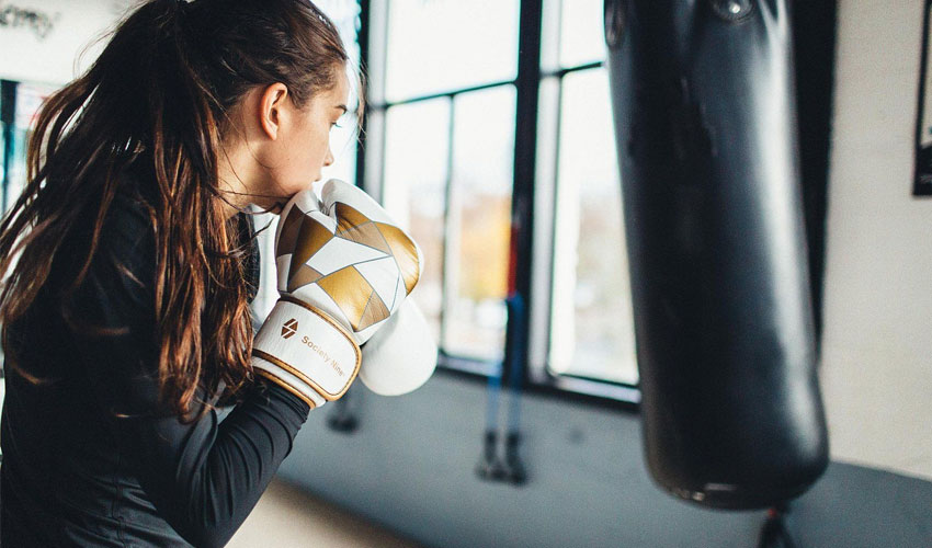 8 Core Workouts That Will Help You Become a Great Boxer